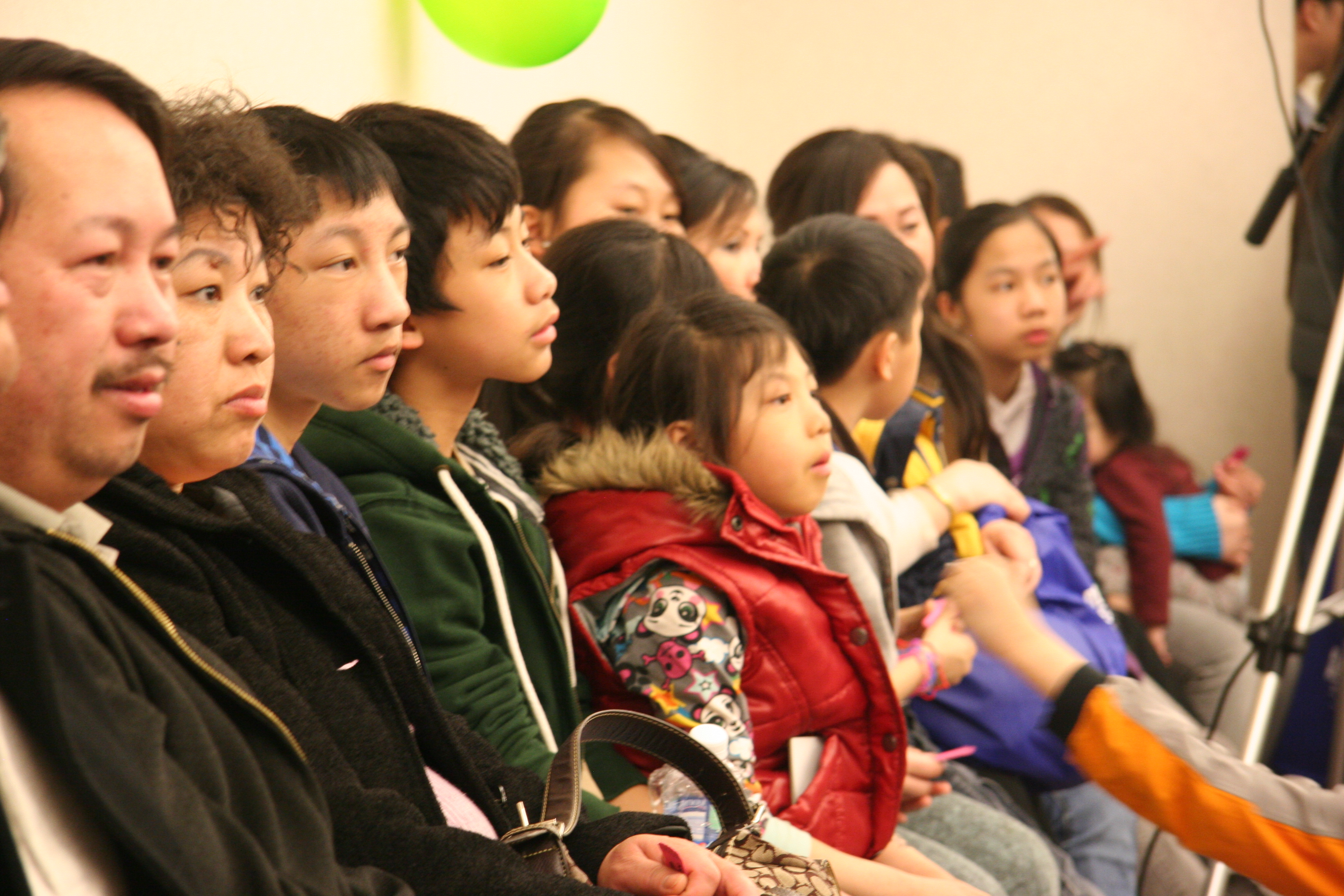 20110404 Hmong Village Recycling Award 157
